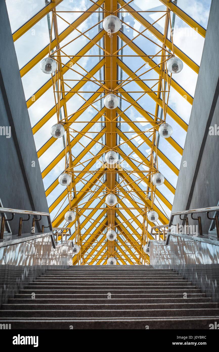 Linee astratte sul ponte di architettura closeup Immagini Stock