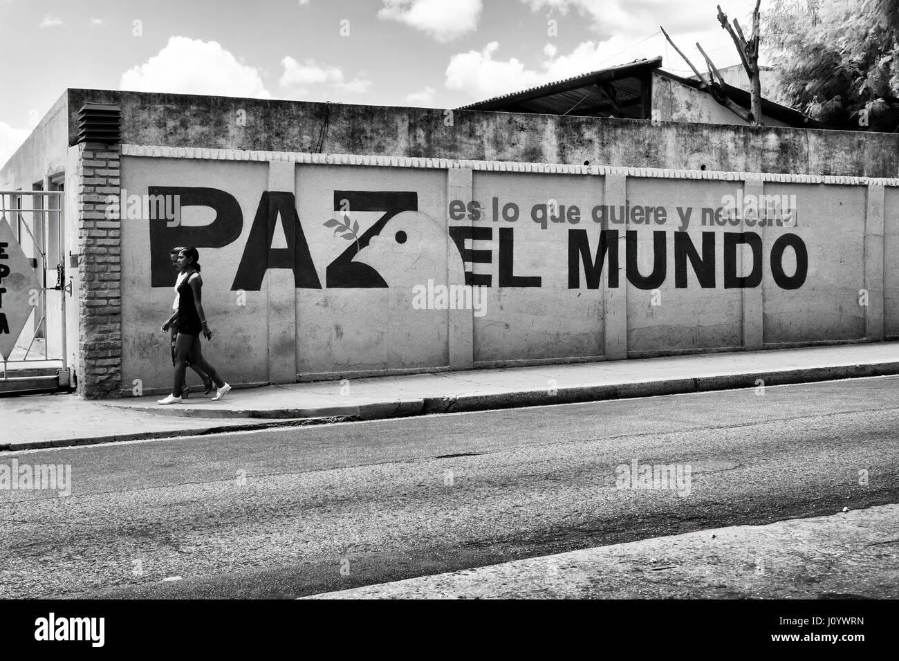 Pacifista wallpainting in Havana, Cuba Immagini Stock