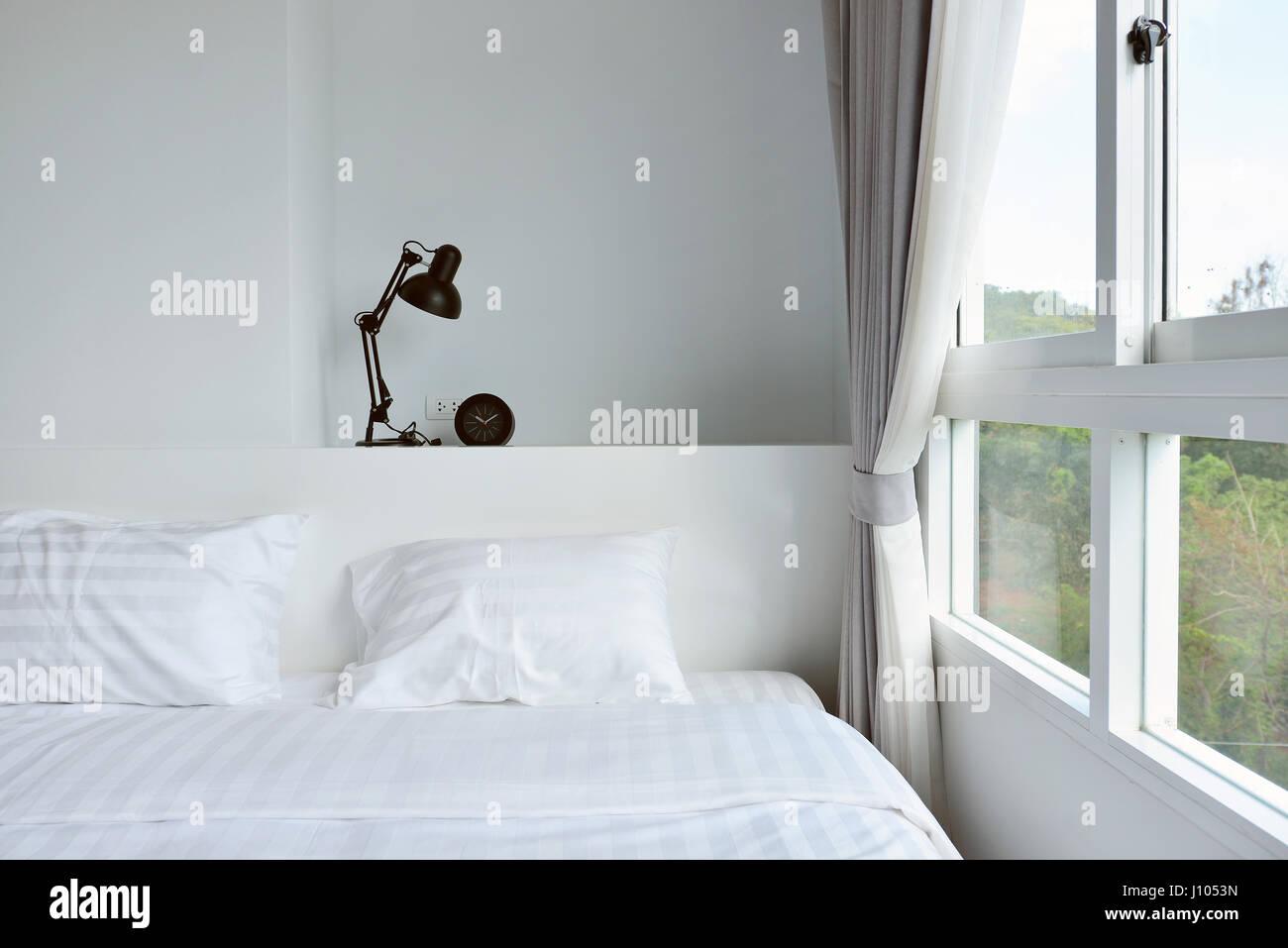 Camera Da Letto Legno Bianco : Moderna lampada sul comodino in legno in bianco moderno camera da