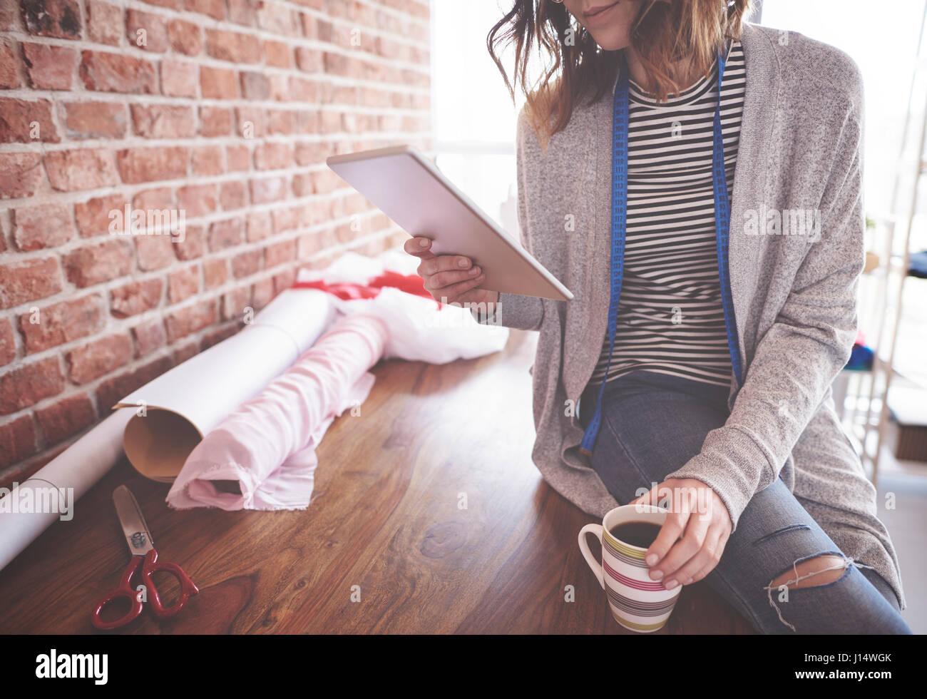 La tecnologia wireless nell'industria tessile Immagini Stock