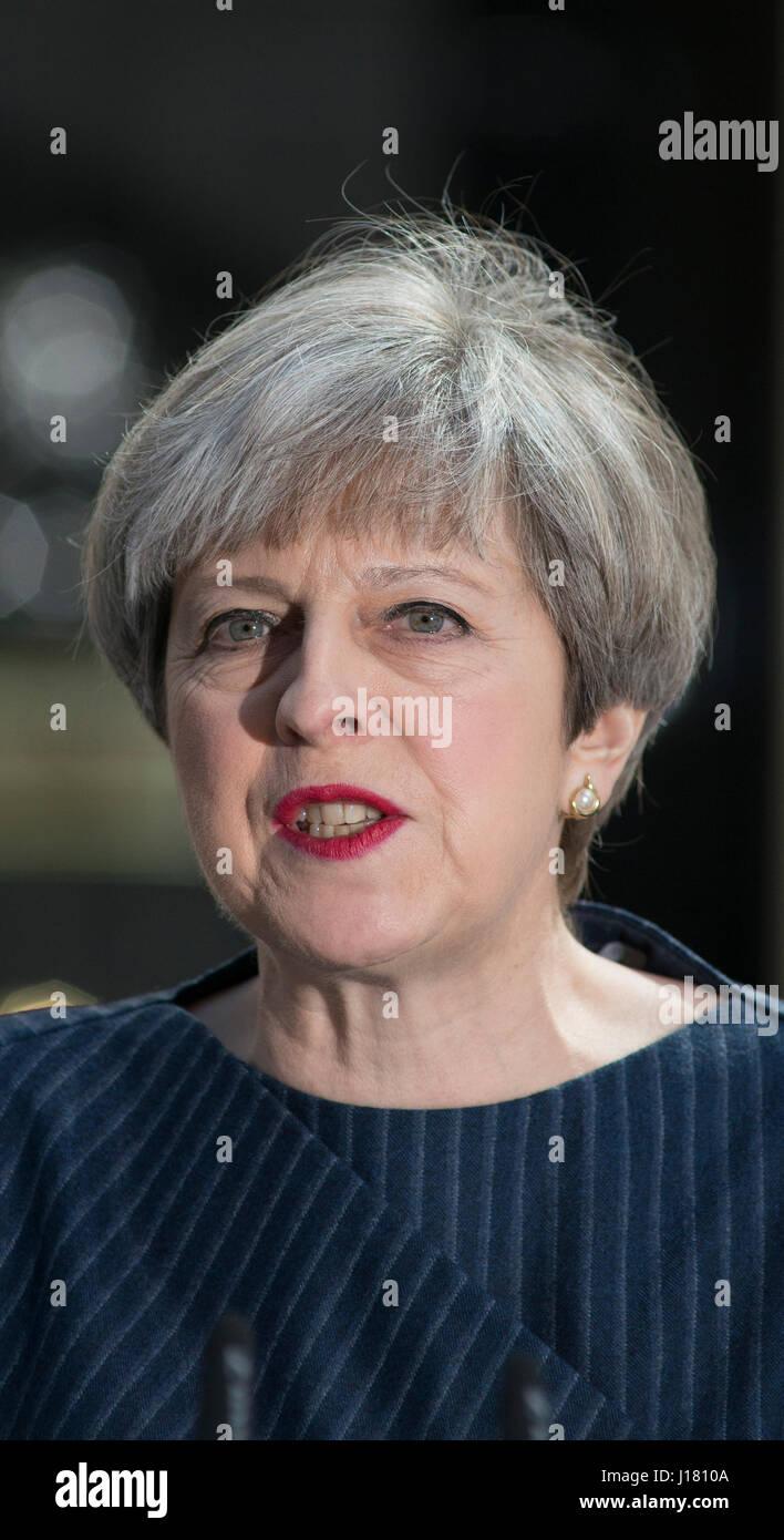 A Downing Street, Londra UK. 18 Aprile, 2017. PM Theresa Maggio annuncia snap elezioni generali per il 8 giugno Immagini Stock