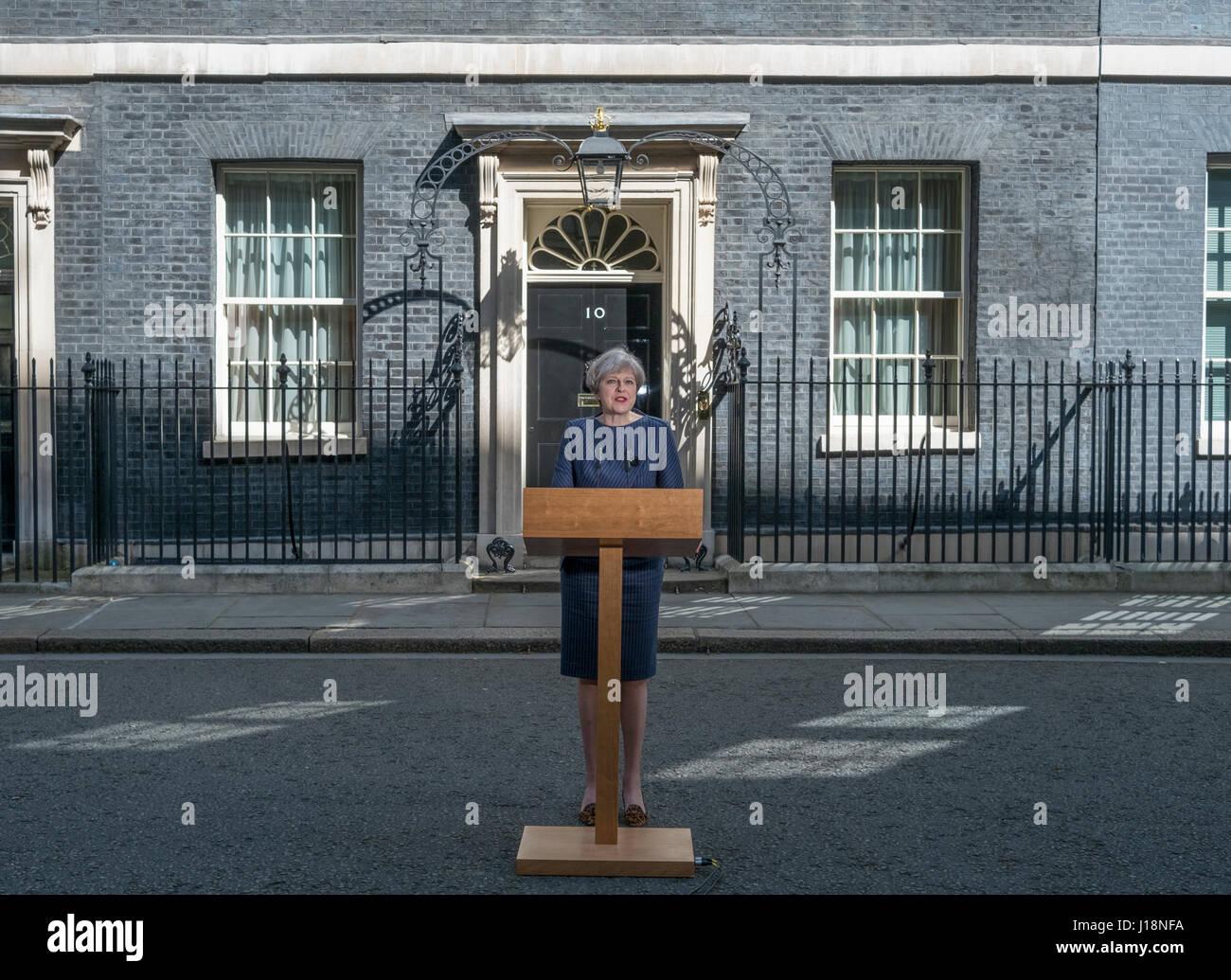 A Downing Street, Londra UK. 18 Aprile, 2017. PM Theresa Maggio annuncia una elezione a scatto per il 8 giugno 2017. Immagini Stock