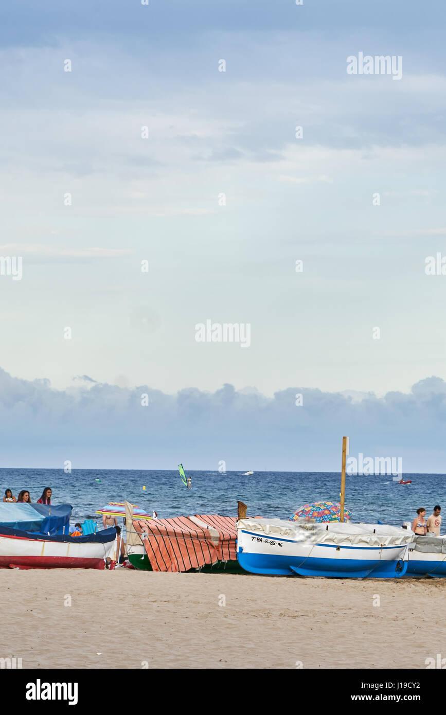 Amenaza de tormenta en onu dÃ-a soleado de playa. Immagini Stock
