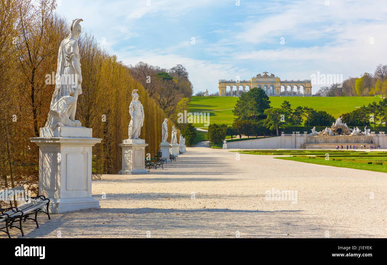 Palazzo di Schonbrunn Giardini in Vienna Immagini Stock