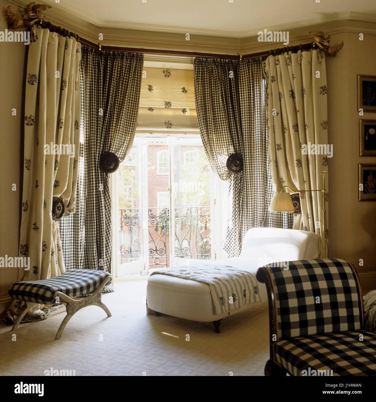 Stile classico area soggiorno Foto & Immagine Stock: 138690685 - Alamy