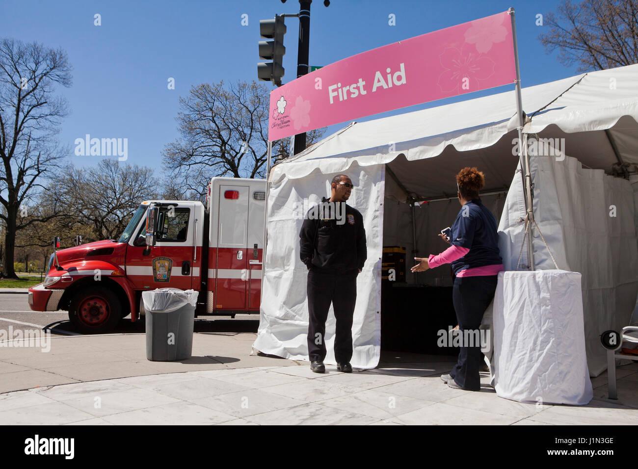 Primo Soccorso tenda ad un evento esterno - USA Immagini Stock