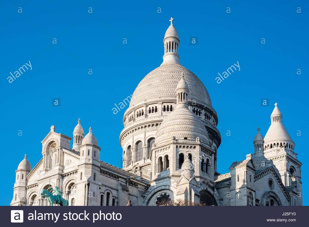 Francia, Île-de-France, Parigi. Basilica del Sacré Coeur e Montmartre. Immagini Stock