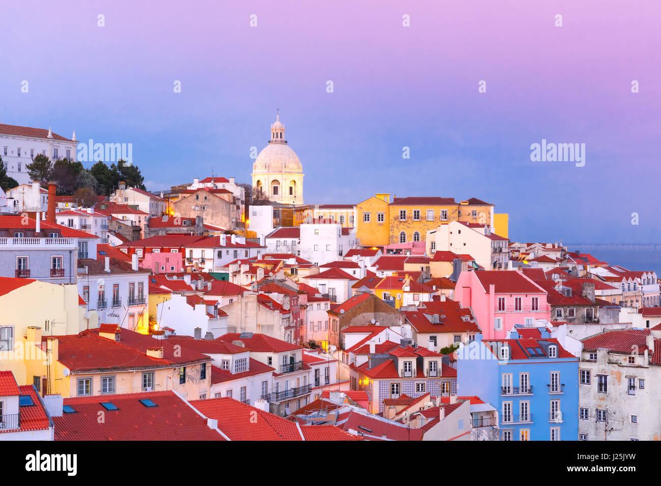 Alfama di notte, Lisbona, Portogallo Foto Stock