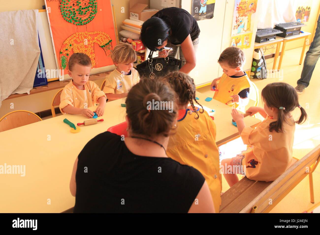 La scuola primaria ingresso in Francia Immagini Stock