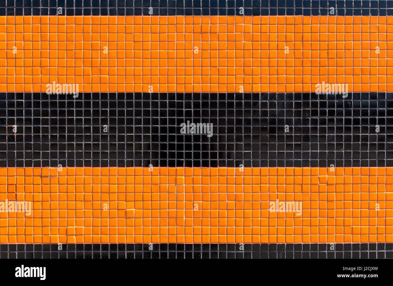 Colorate piastrelle di ceramica mosaico arancione e nero