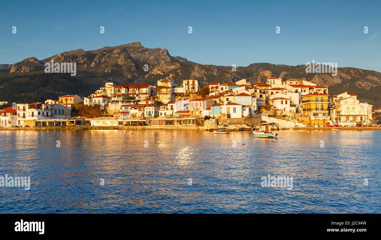 Kokkari villaggio sull isola di Samos, Grecia. Immagini Stock