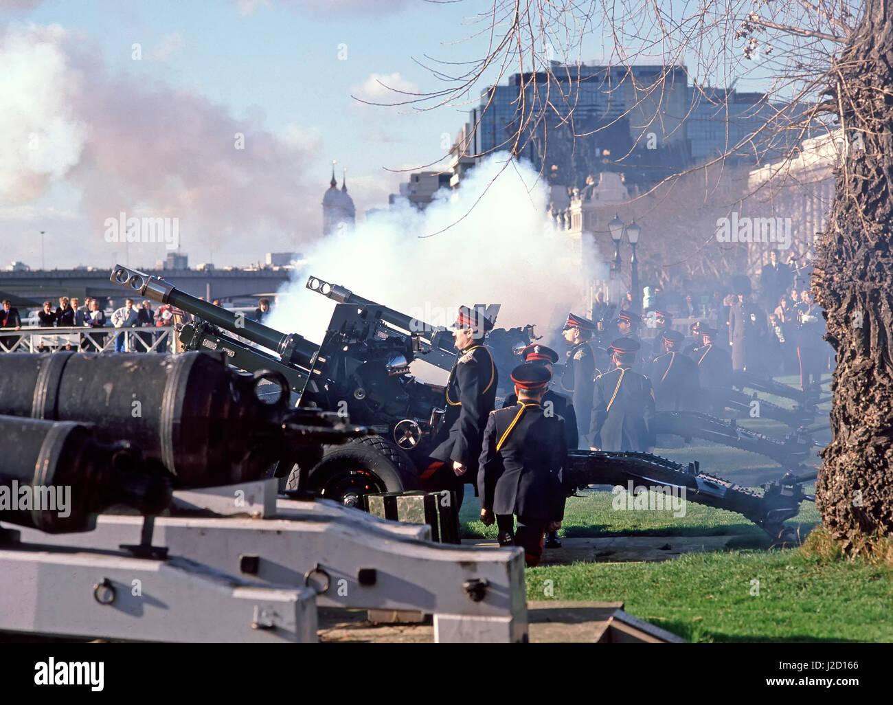 Torre di Londra Inghilterra Onorevole Compagnia di Artiglieria in uniforme invernale annuale la cottura del cerimoniale Immagini Stock
