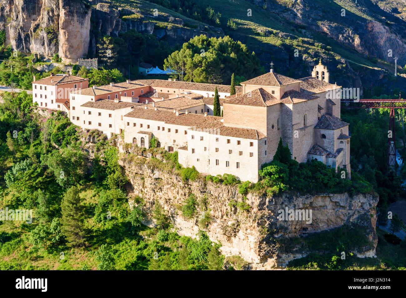 Convento de San Pablo ora il Parador de Cuenca si affaccia sul Huécar Gorge, Cuenca, Castilla La Mancha, in Immagini Stock