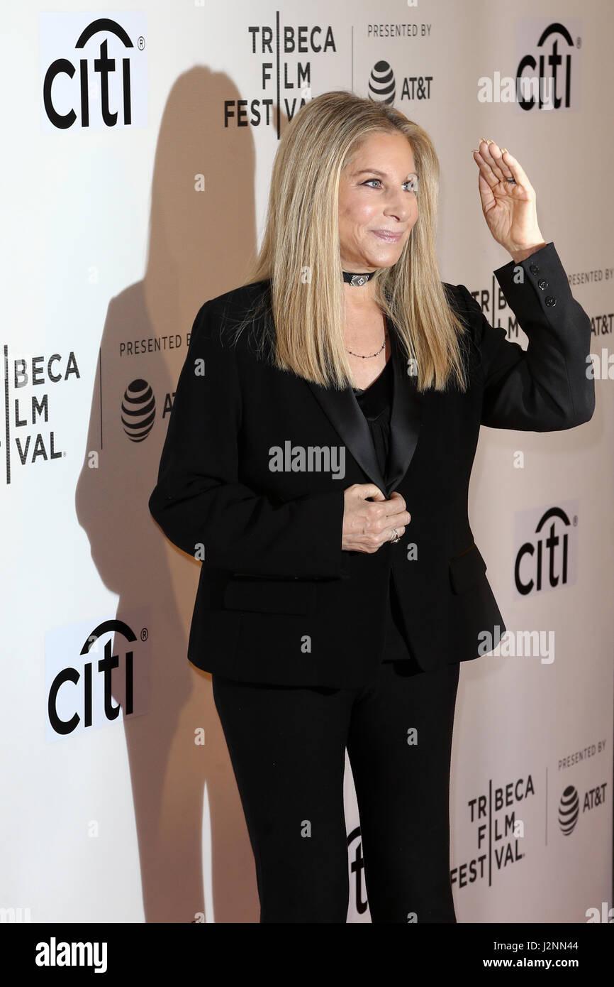 Il cantante Barbra Streisand assiste il 'Tribeca colloqui narratori: Barbra Streisand con Robert Rodriguez' Immagini Stock