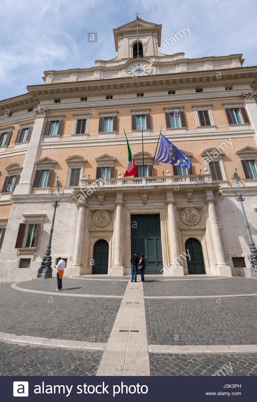Palazzo Montecitorio Camera dei Deputati di Italia, Piazza di Montecitorio,  I Municipio, Roma, lazio, Italy Foto stock - Alamy