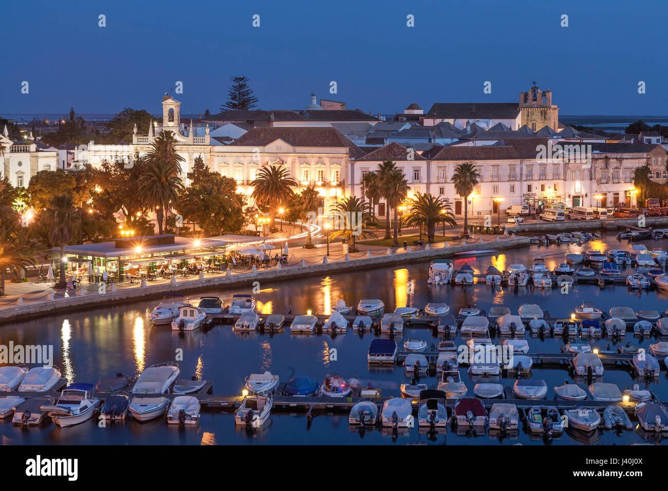 La Marina e la Città Vecchia, Faro, Algarve, Portogallo, Europa Immagini Stock