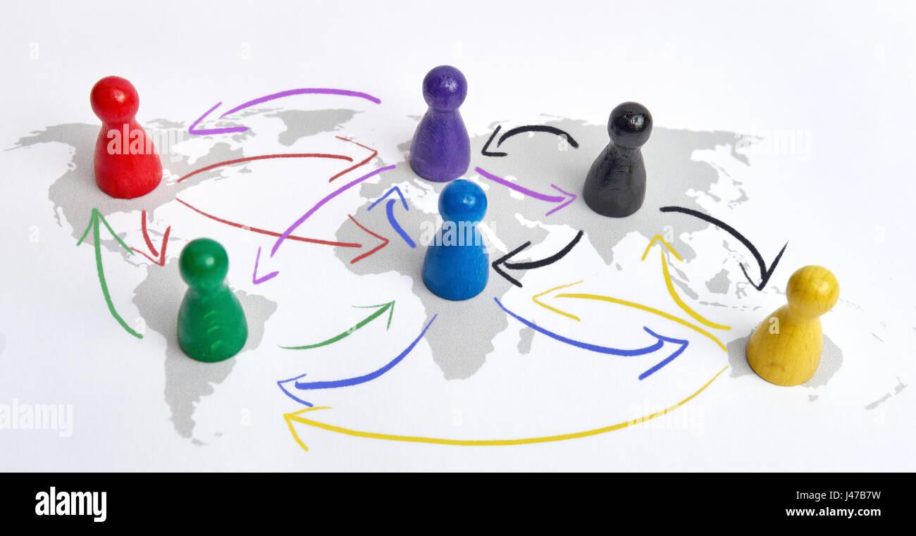 Concetto di globalizzazione, global networking, viaggi o connessione globale. Le figure colorate con frecce di collegamento. Immagini Stock