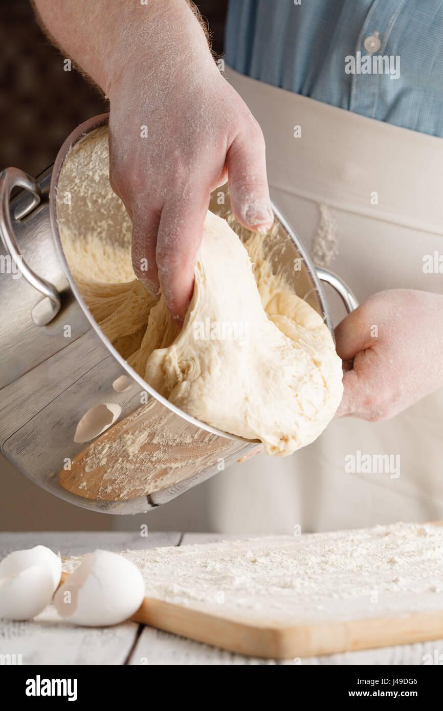 Vista Ravvicinata Di Baker Gli Impasti Il Pane Fatto In Casa Mani