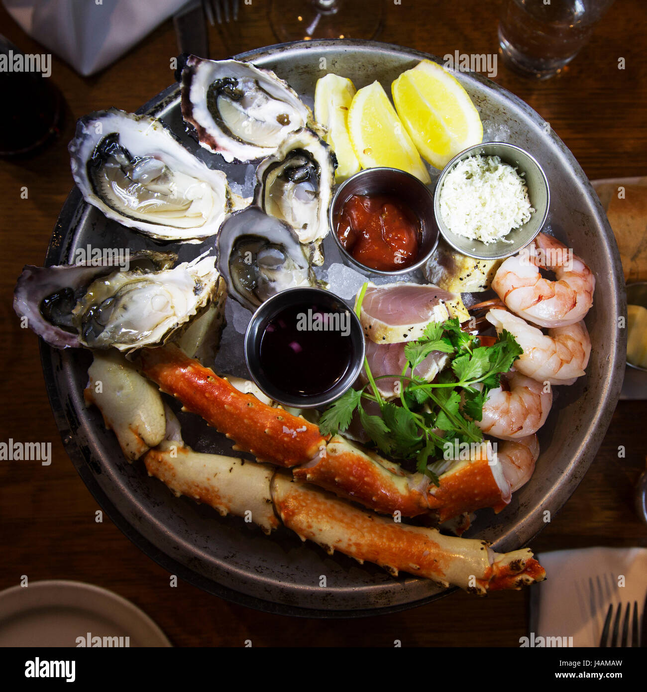 Un piatto di frutti di mare di prodotti locali serviti a Vancouver in Canada. Il cibo è localmente Immagini Stock