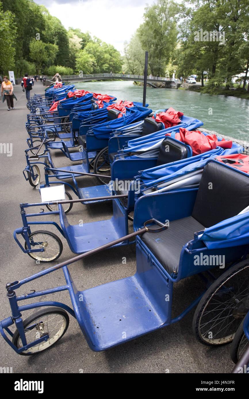 Francia, Lourdes, flusso diede, promenade, sedie a rotelle, Hitting-Pyrenees, luogo di pellegrinaggio, Pilgrim's Immagini Stock
