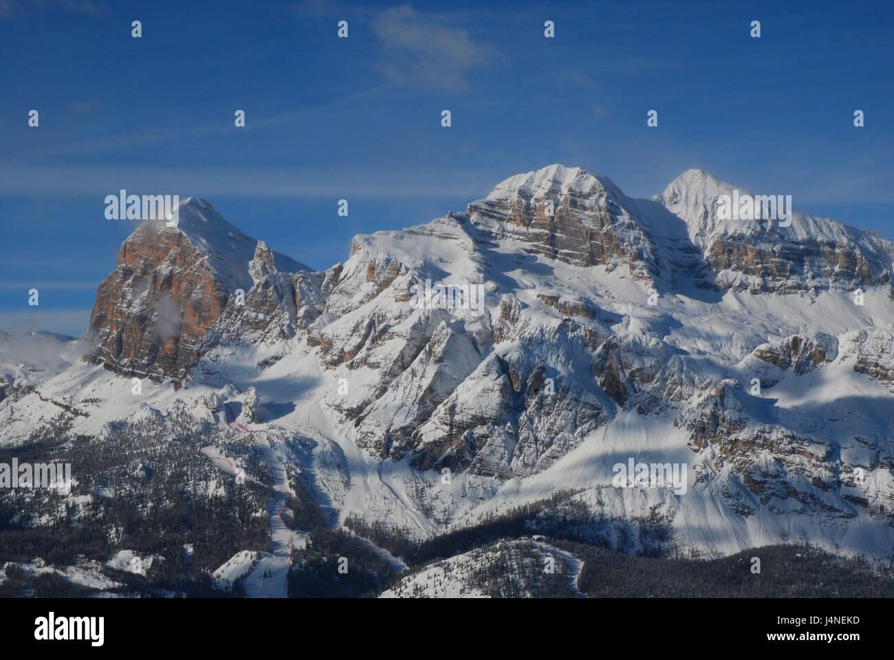 L'Italia, Veneto, Cortina d'Ampezzo, Tofana Tu Rozes, Tofana Tu mezzosoprano, Tofana Tu dentro, inverno, Immagini Stock