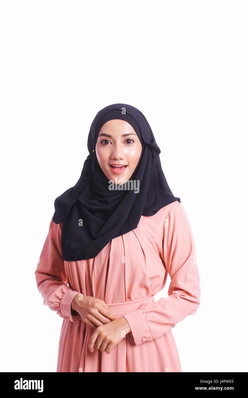 0ad382e4cacf Donna di indossare un bel vestito mostrano differenti il linguaggio del  corpo isolato su sfondo bianco