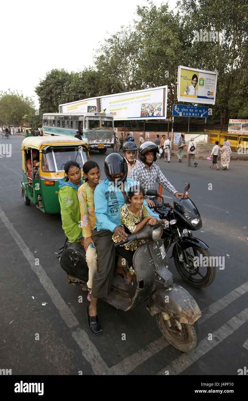India, Delhi, Vecchia Delhi, Netaji Subhash Marg, avenue a fort rosso dovrebbe guidare verso il basso, Immagini Stock