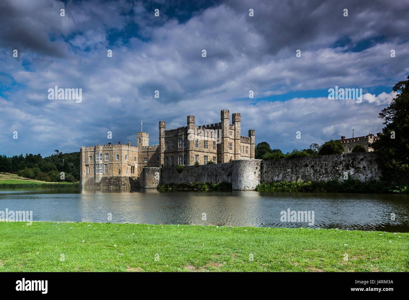 Il castello di Leeds, situato nel Kent, Inghilterra Immagini Stock