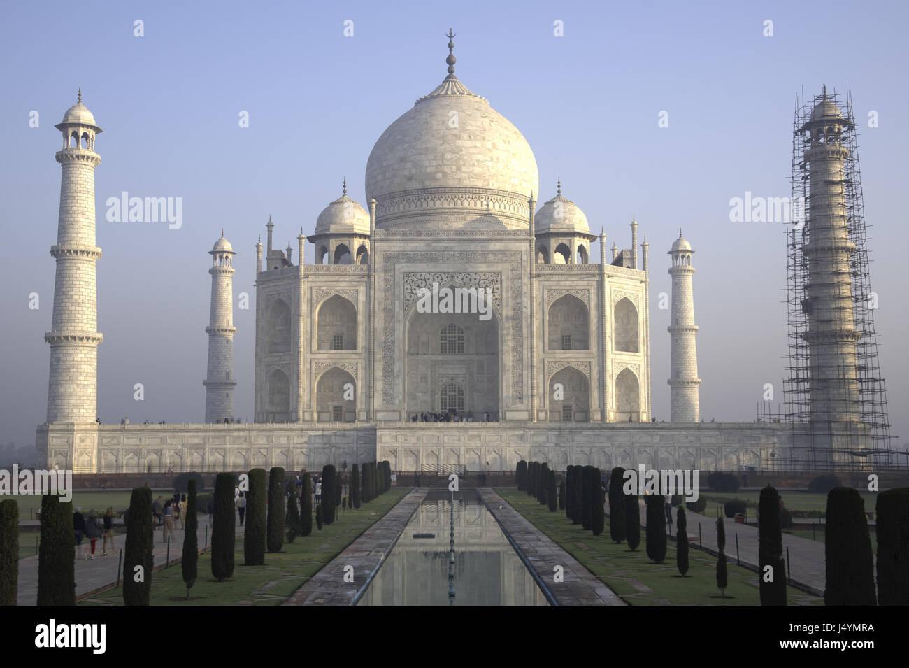 Vista del Taj Mahal in costruzione, Agra, India Immagini Stock