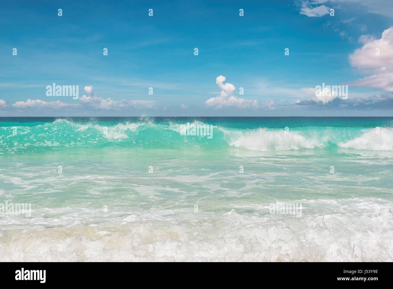 Fantastico blu oceano a Miami Beach. South Beach di Miami in Florida. Immagini Stock