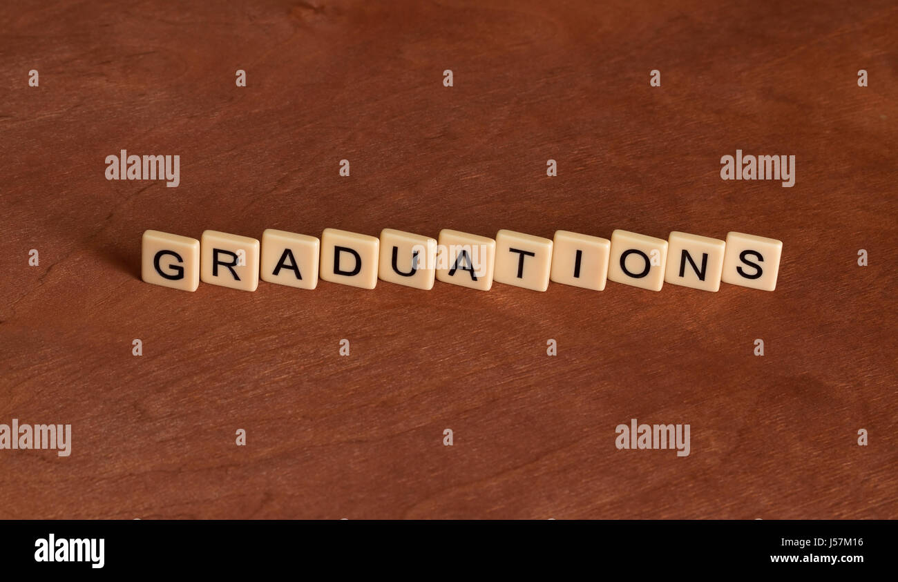 Le graduazioni di scritte. piastrelle color avorio con lettere