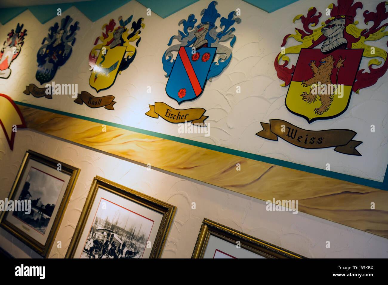 Michigan Frankenmuth Bavarian Inn Ristorante Tedesco comunità etniche famiglia cresta camera display araldico Immagini Stock