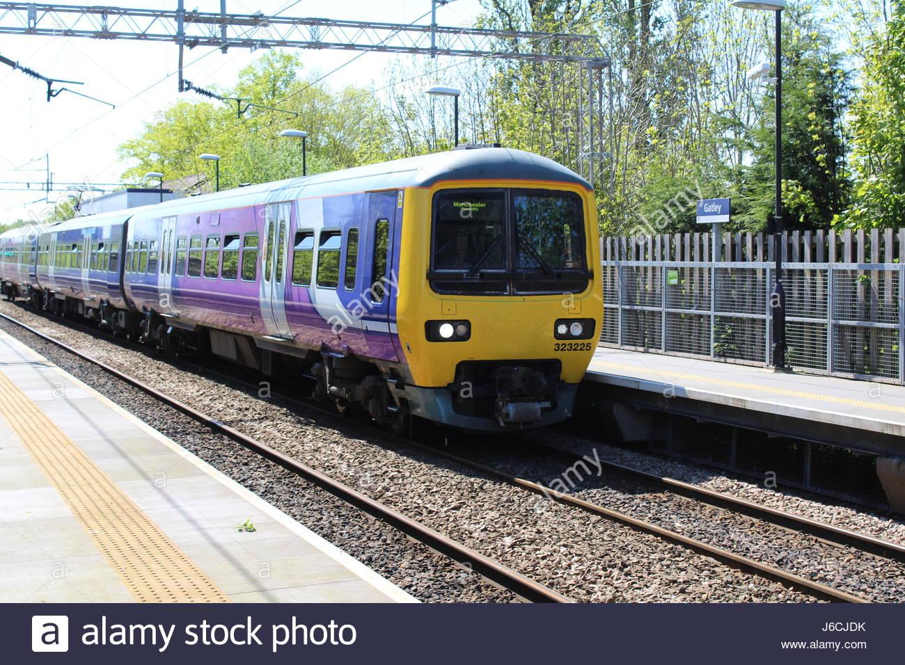 Northern electric treno dei pendolari Immagini Stock