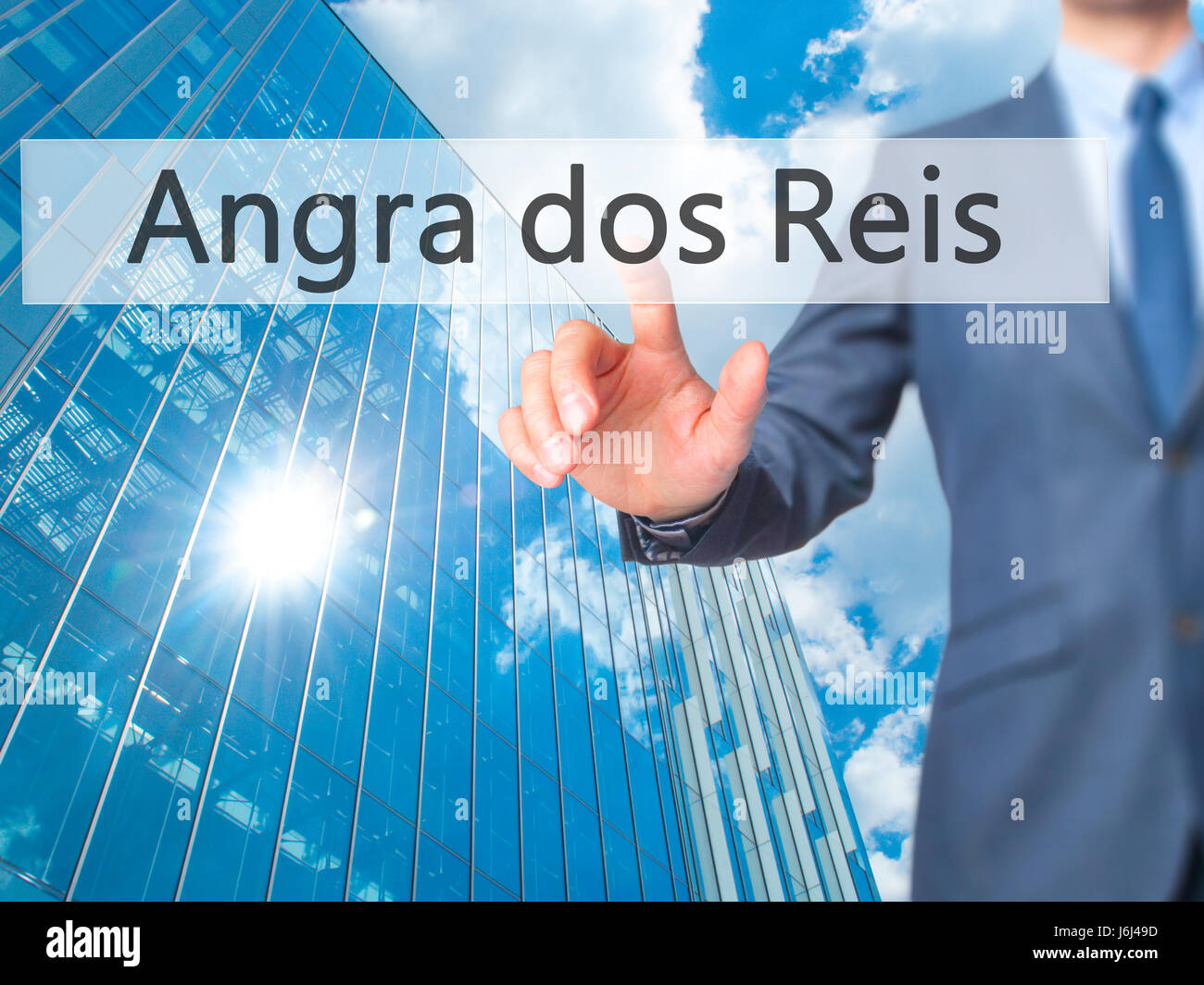 Angra dos Reis - Imprenditore premere sul display digitale. Business, internet concetto. Stock Photo Immagini Stock