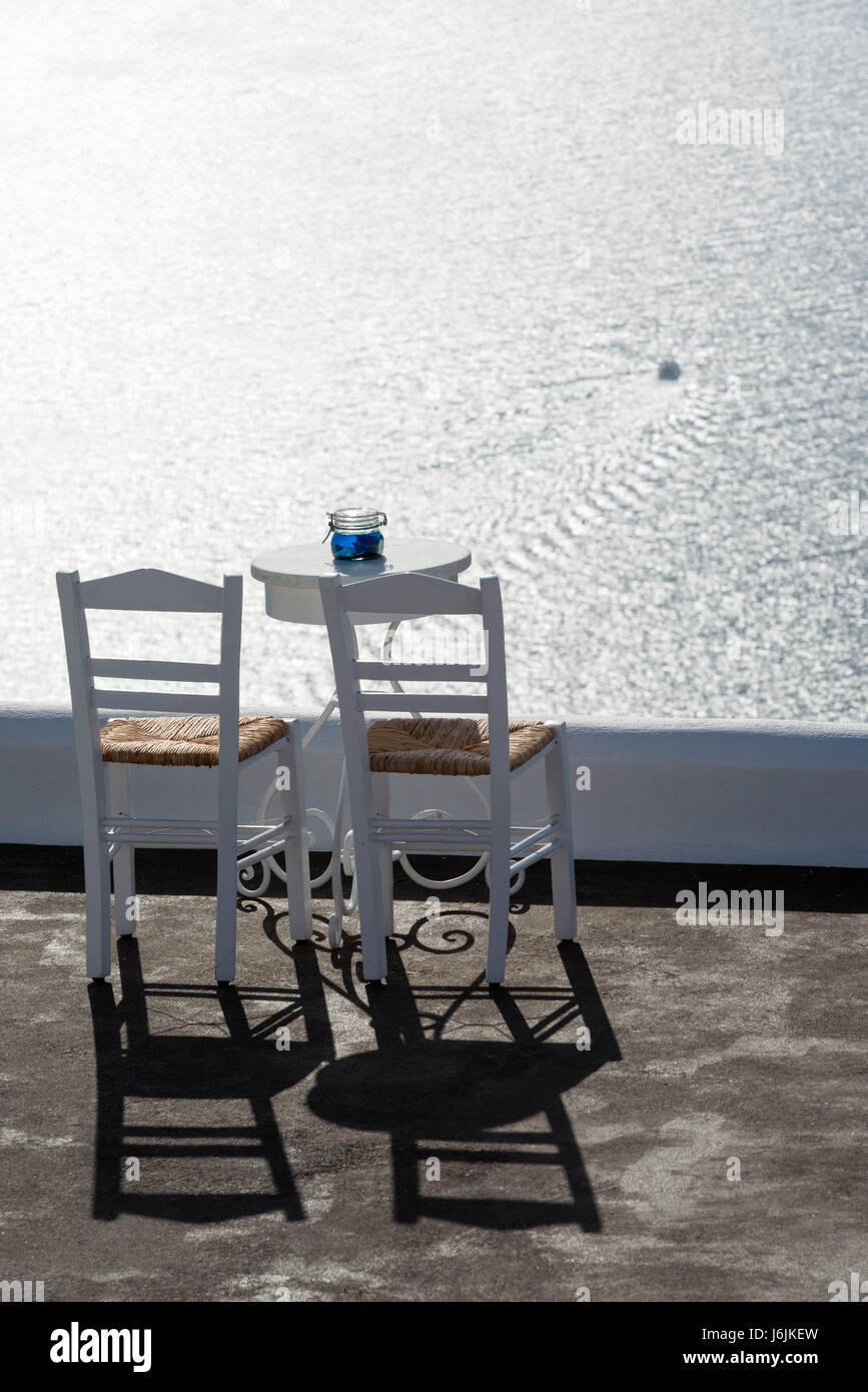 Mar Sedie E Tavoli.Terrazza Con Due Sedie Tavolo E Vista Mozzafiato Sul Mar