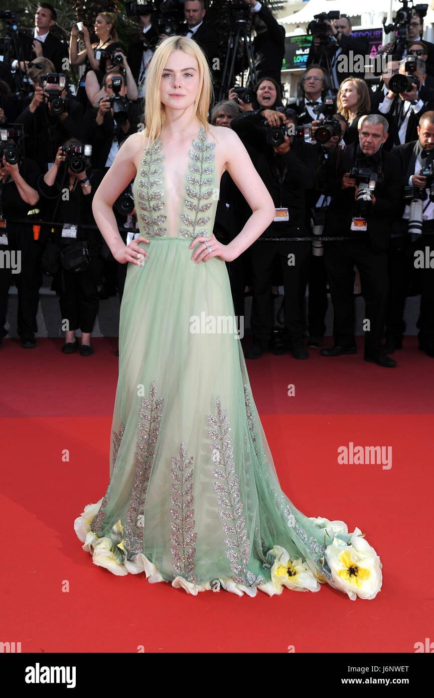 """Settantesimo Cannes Film Festival 2017, Uscita Red Carpet film : """" come parlare alle ragazze a parti"""" Immagini Stock"""