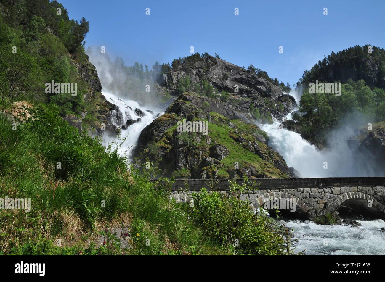Casa vacanze vacanze vacanze ponte di roccia del flusso di caduta ponte arcuato Foto Stock
