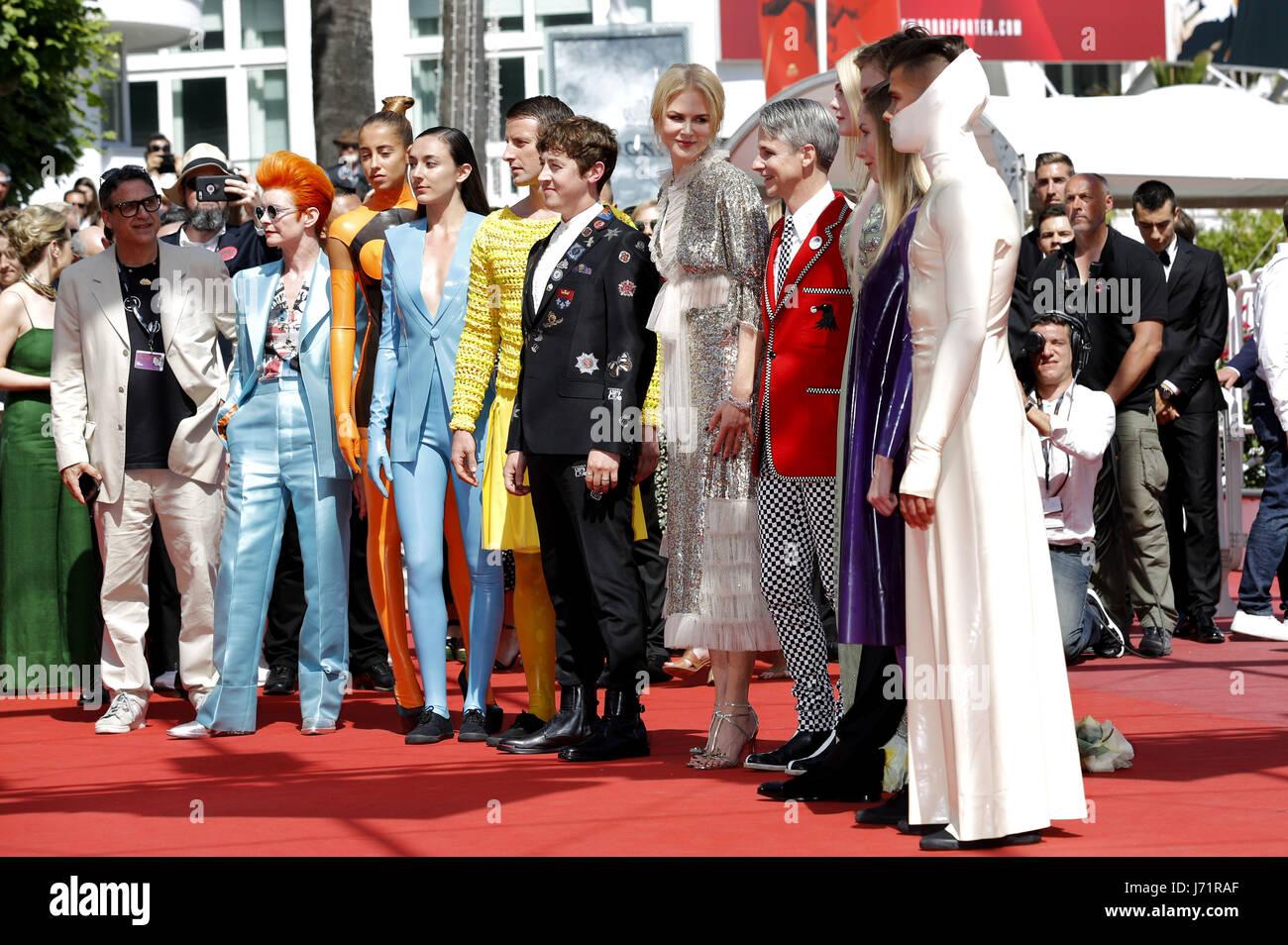 Cannes, Frankreich. 21 Maggio, 2017. Sandy Powell, Alex Sharp, Nicole Kidman, John Cameron Mitchell e cast al 'Come Immagini Stock