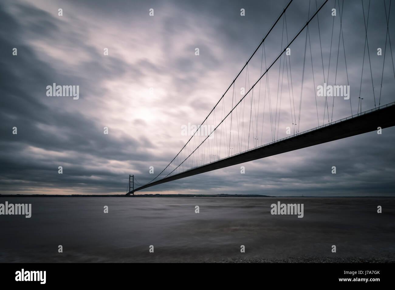 Humber Bridge, Singolo Span Suspension Bridge, vicino a Kingston upon Hull, Inghilterra, Regno Unito. Immagini Stock