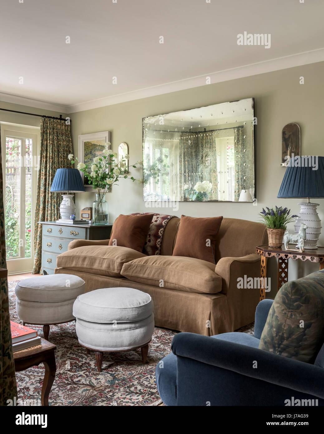 Lawson divano in legno rivestita in biancheria da Rogers & Goffigon ...