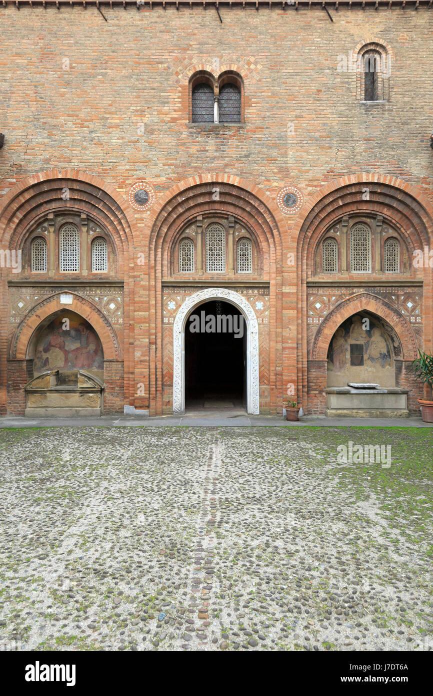Pilato's courtyard nella Basilica di Santo Stefano, Bologna, Emilia Romagna, Italia, Europa. Immagini Stock