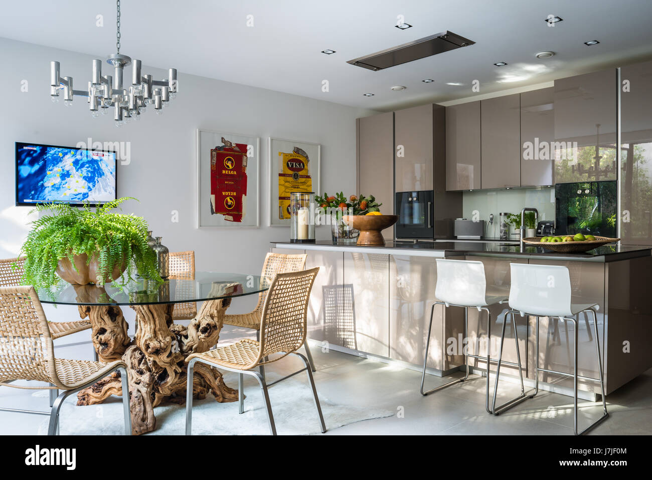Emejing tavoli sala da pranzo ikea photos house design for Sedie sala attesa ikea