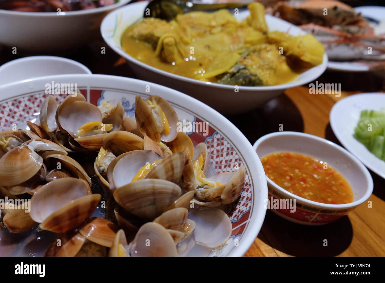 La cucina del mondo il cibo thai seafood clam fiore di pesce ...