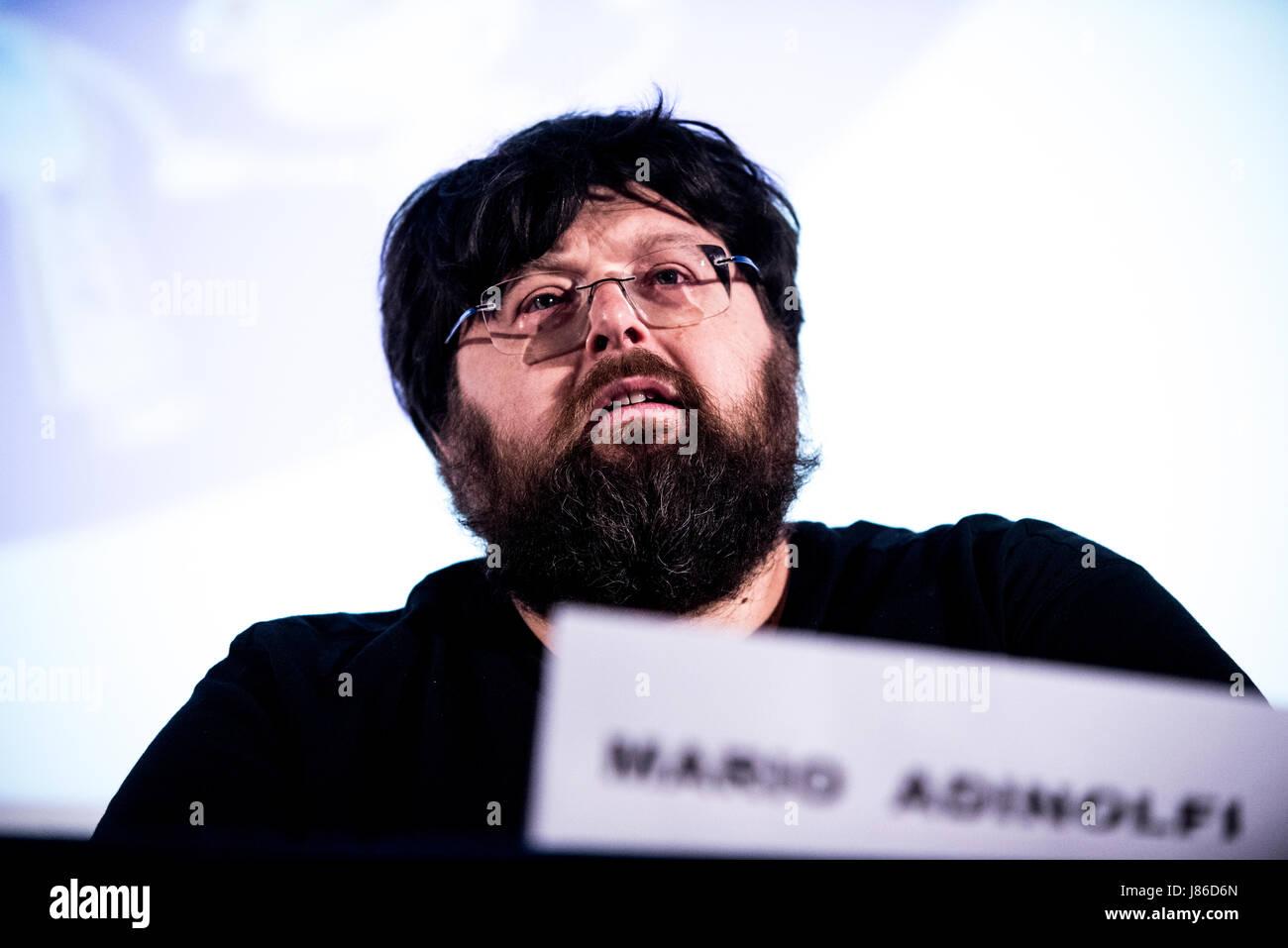 Savigliano, Italia, 27 maggio 2017. La politica italiana e il giornalista Mario Adinolfi colloqui di Savigliano Foto Stock