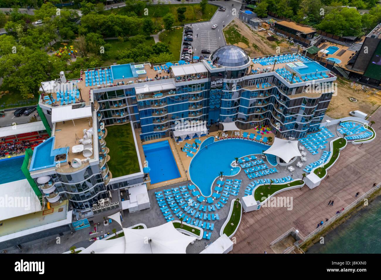 Antenna di elevata shot di nemo hotel e delfinario alla spiaggia langeron Odessa Ucraina Foto Stock