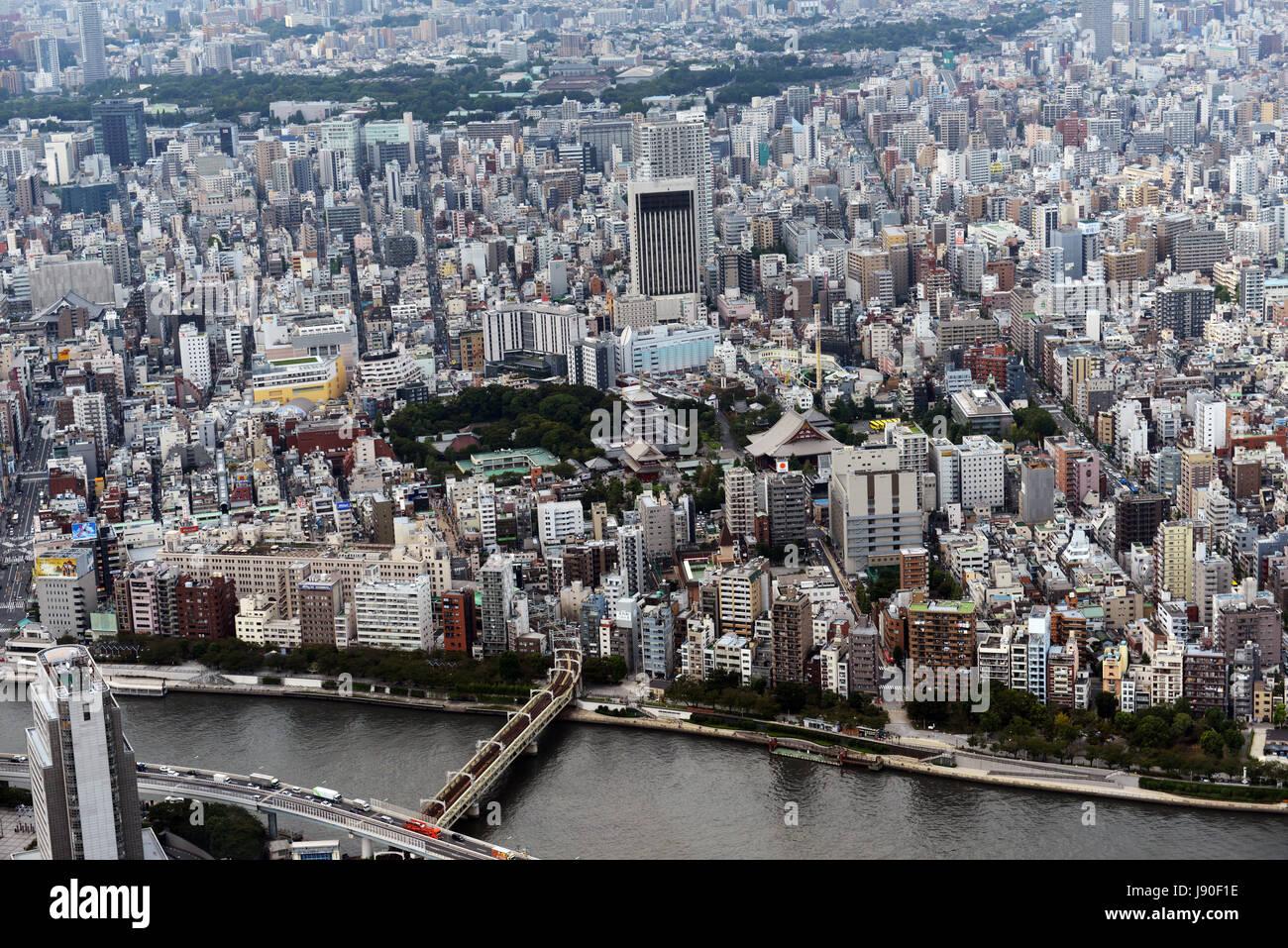 Vedute di Tokyo come visto dalla parte superiore della Tokyo skytree. Immagini Stock