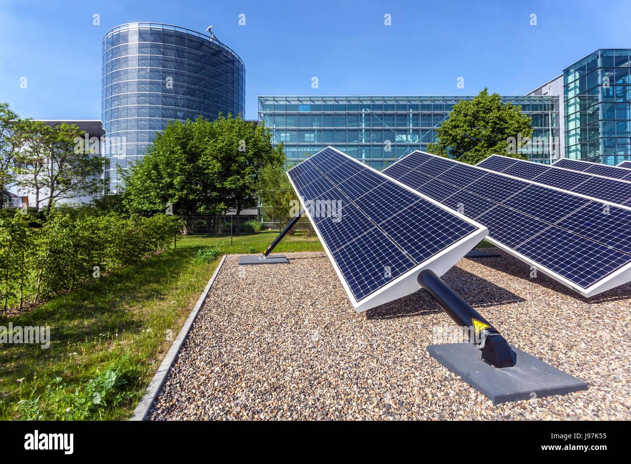 VW, Glaeserne Manufaktur, fabbrica trasparente, Volkswagen Fabbrica, la produzione di auto, energia solare, Dresda, Immagini Stock