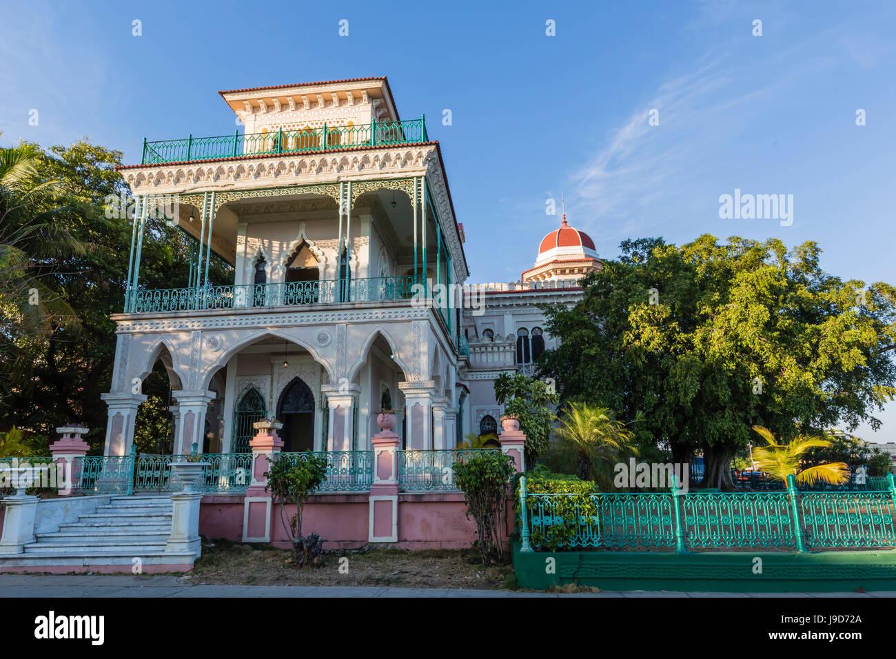 Vista esterna del Palacio de valle (Valle del palazzo), Punta Gorda, Cienfuegos, Cuba, West Indies, dei Caraibi Immagini Stock
