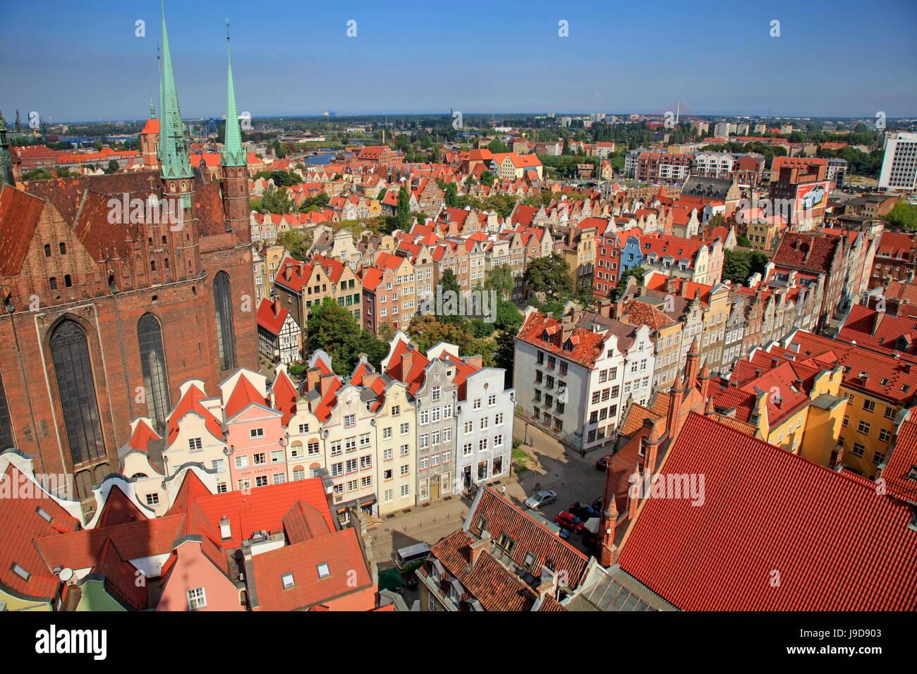 Città Vecchia con la Chiesa di Santa Maria in Gdansk, Gdansk, Pomerania, Polonia, Europa Immagini Stock