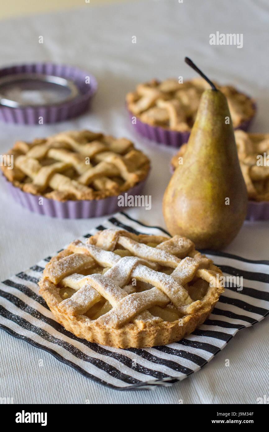 torte di pera Immagini Stock